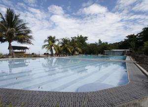 Thalassa pool